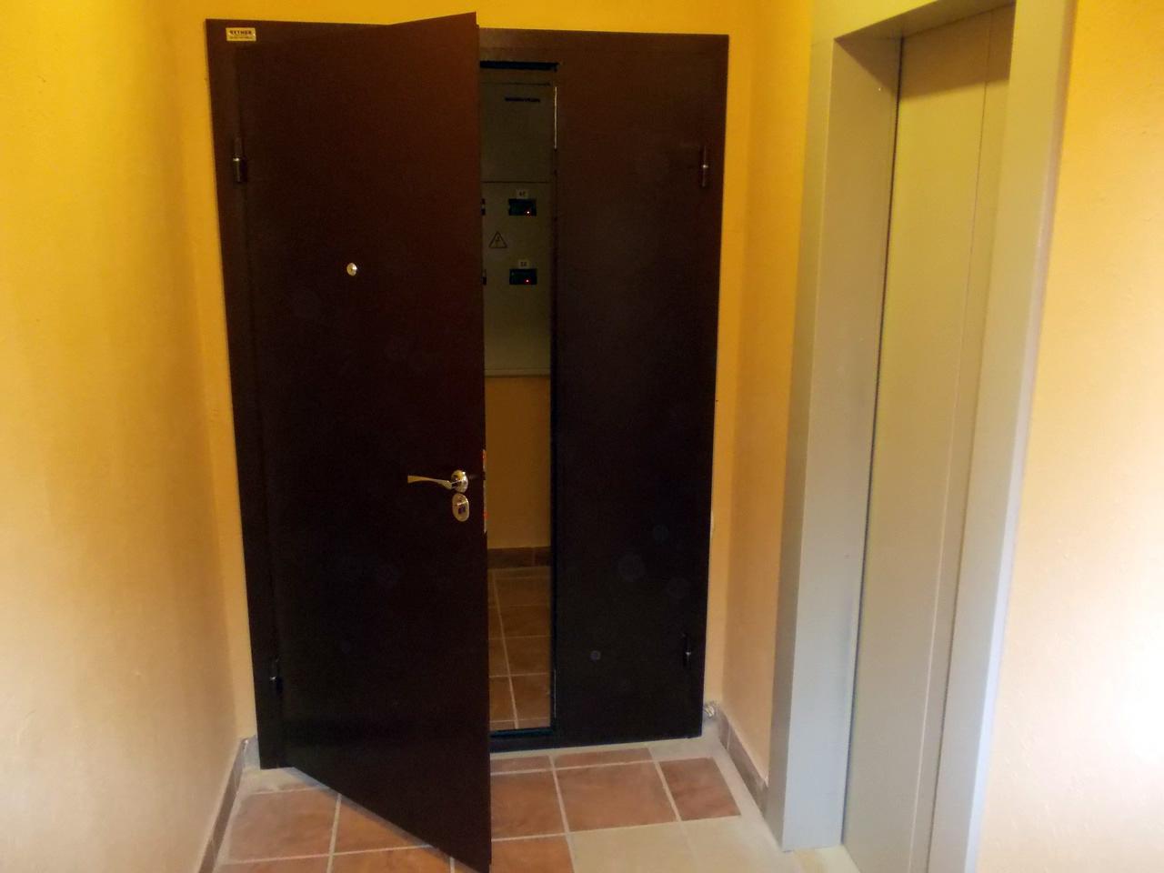 как правильно согласовать установку тамбурной двери